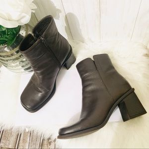 BareTraps Alley Square Toes Chunky Heels Boots